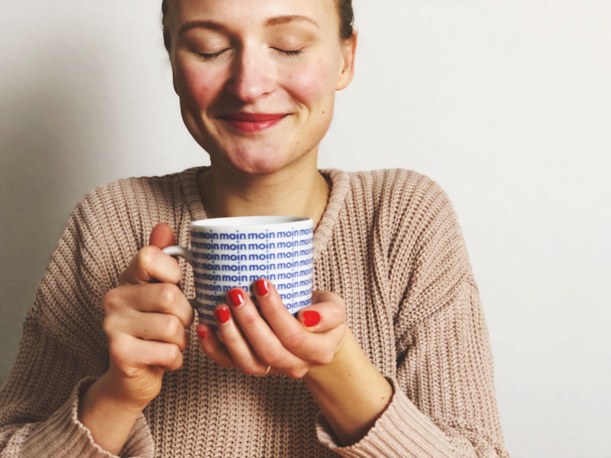 Frau Becher Koffeinfrei Kaffee Genuss