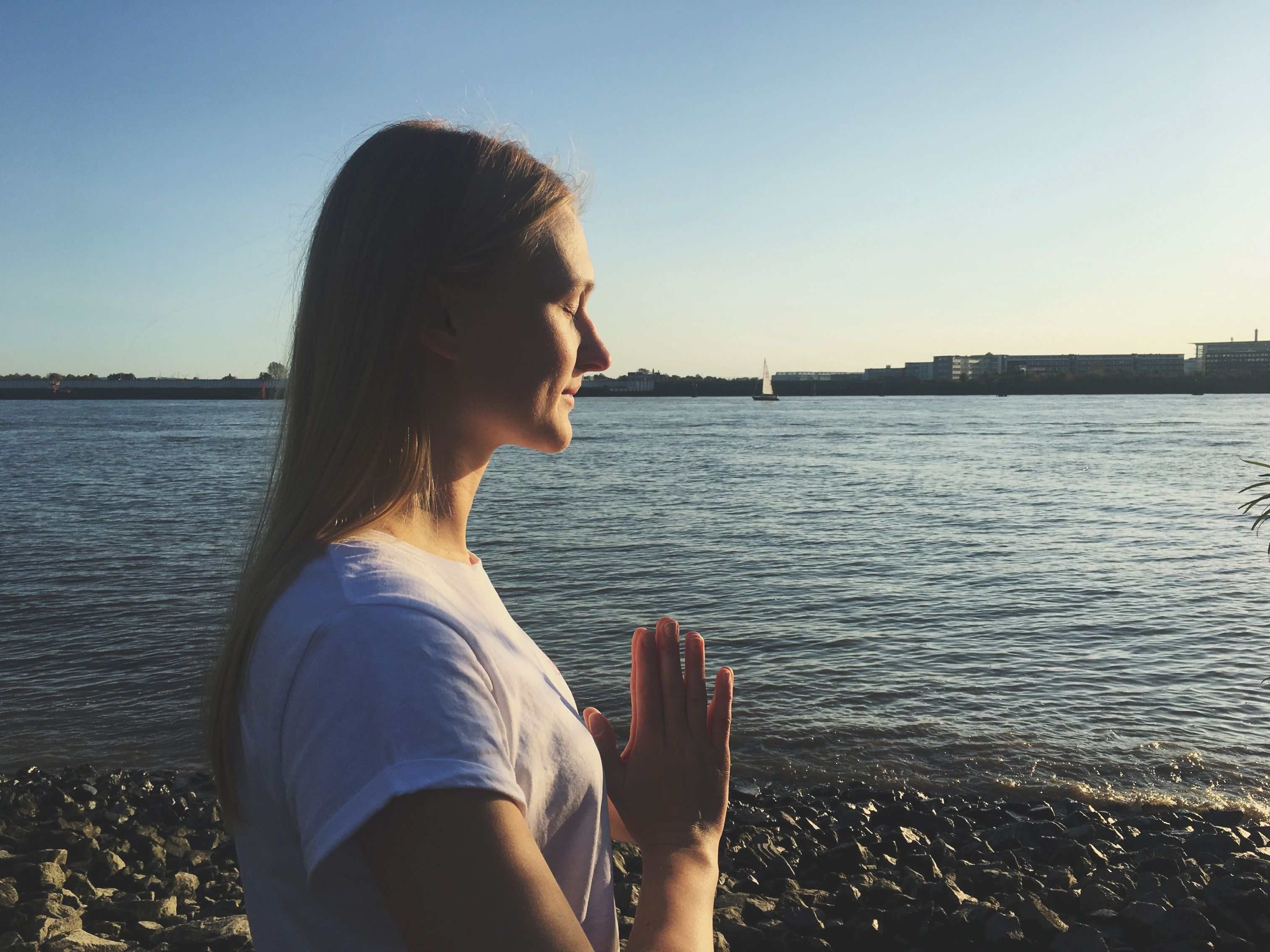 Persönliche_Entwicklung_Yoga_Meditation_Gedanken_Atmung_Ruhe_Natur_Oh_Yes_Yoga