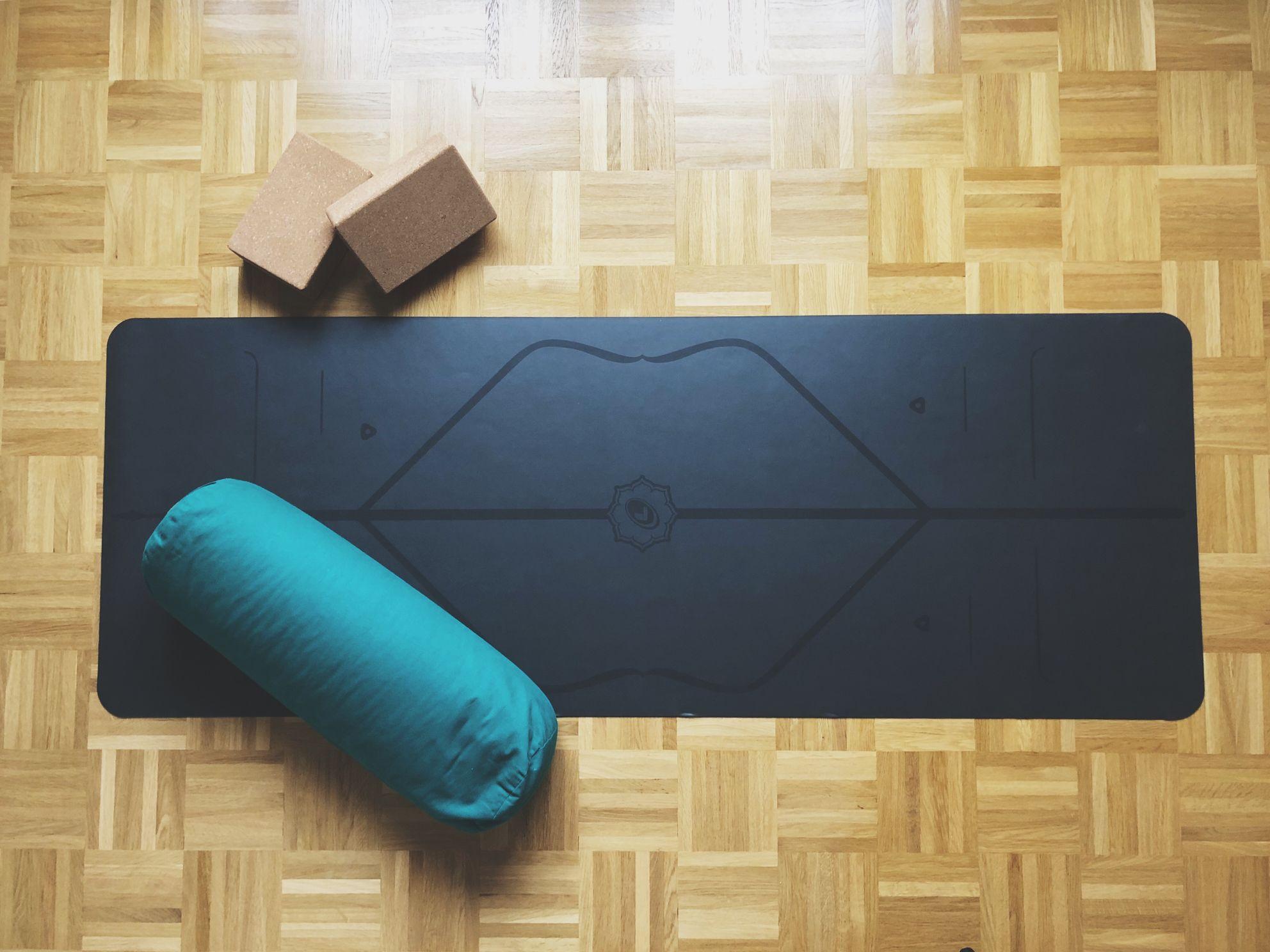 Yoga_Routine_Alltag_Yogamatte_Yogablock_Yogazubehör_Oh_Yes_Yoga