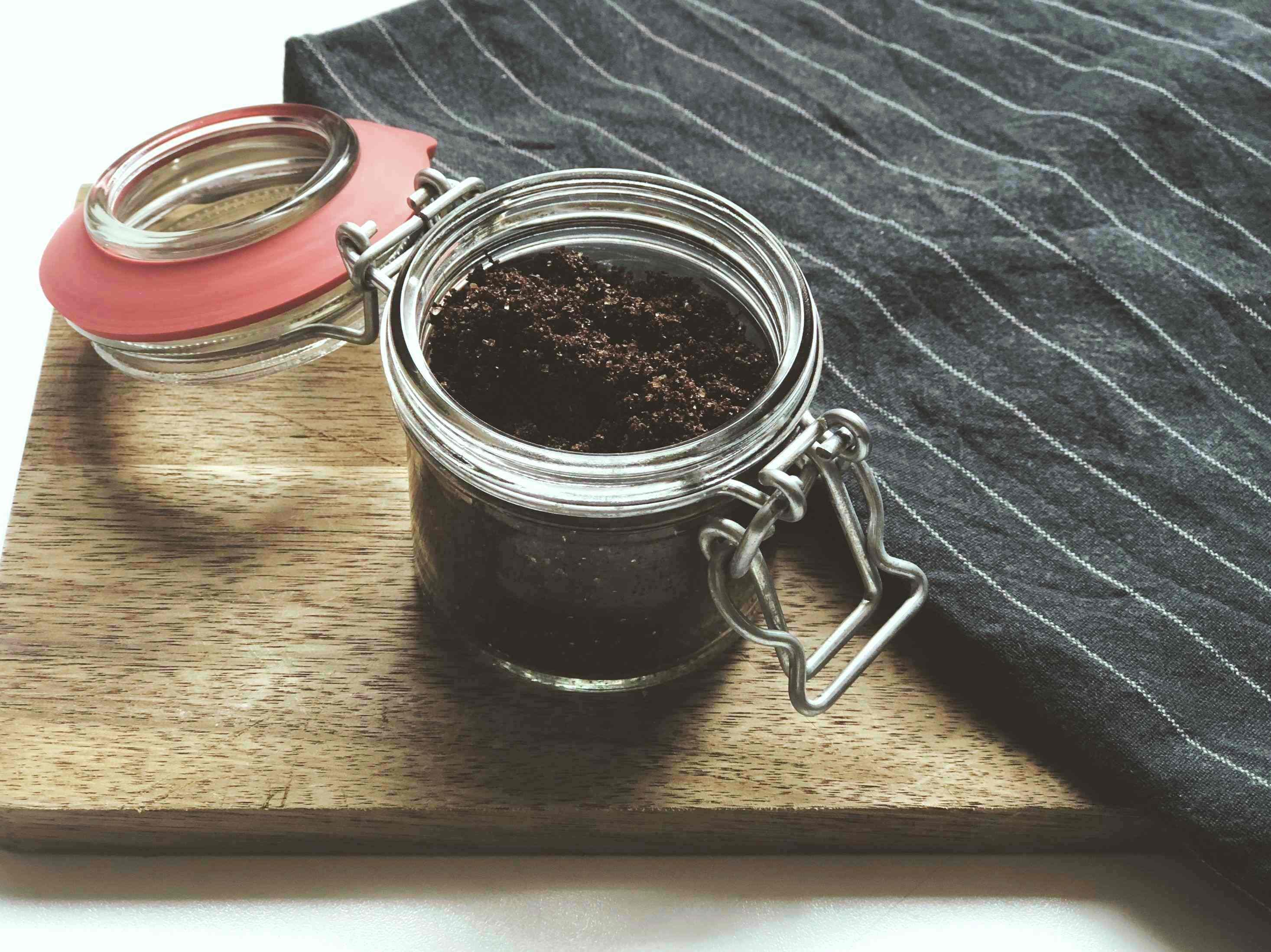 DIY-Kaffee-Peeling-Maske-Weckglas-Umwelt-Beauty-Oh-Yes-Yoga